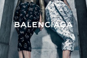 Kate Moss & Lara Stone for Balenciaga FW/15